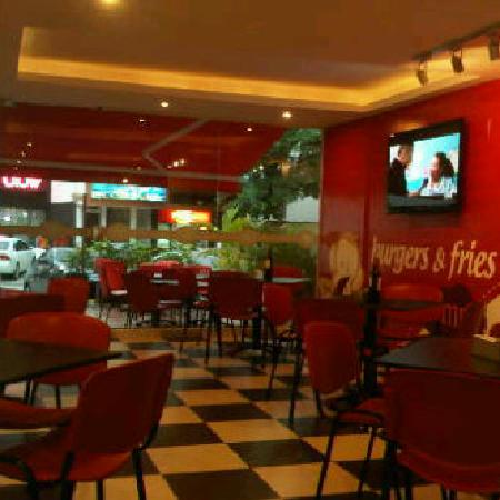 Monkey's casual food : Nice and casual atmosphere