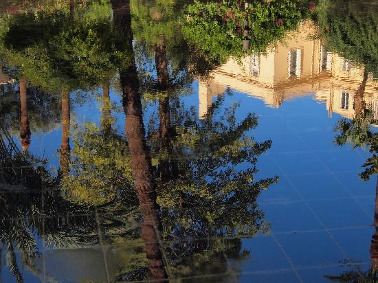 Sofitel Pavillon Winter Luxor: Reflections in the fountain
