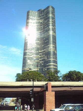 Lake Point Tower: Lake Point002