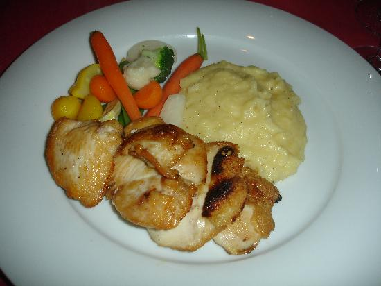 ECHO Restaurant: chicken and mash