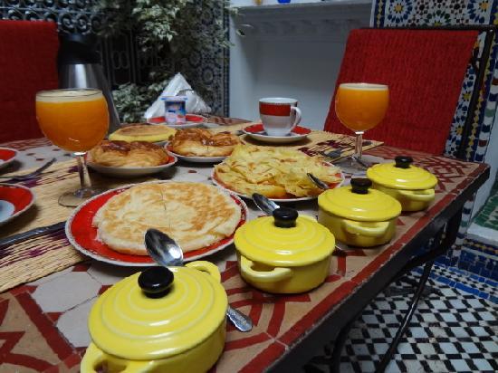 Riad Naila: breakfast