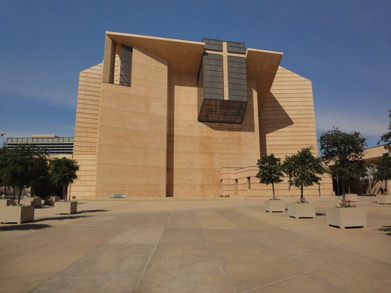 ‪Cathedral of Our Lady of the Angels‬