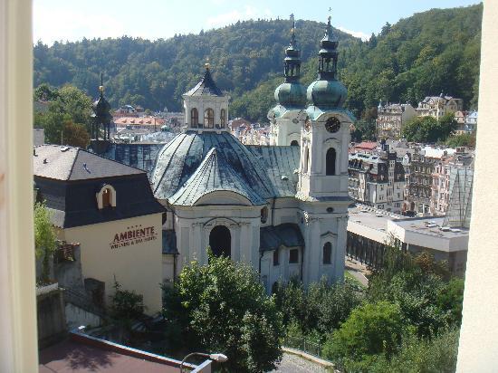 Church of St. Mary Magdalene : Вид со стороны Schlosspark