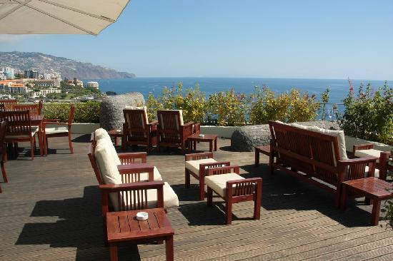 Madeira Regency Cliff: Relax area on the terrace.