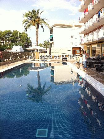 Hotel Cesar Augustus: La piscine de l'hotel