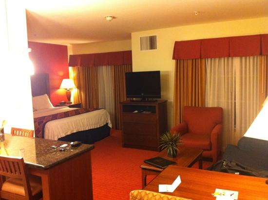Residence Inn Abilene: bed and living area