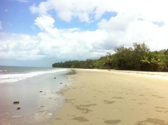รามาดารีสอร์ท พอร์ทดัคกลาส: beach at end walkway