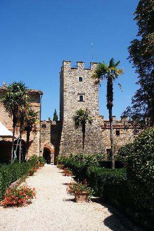 Castello di Modanella : Garden