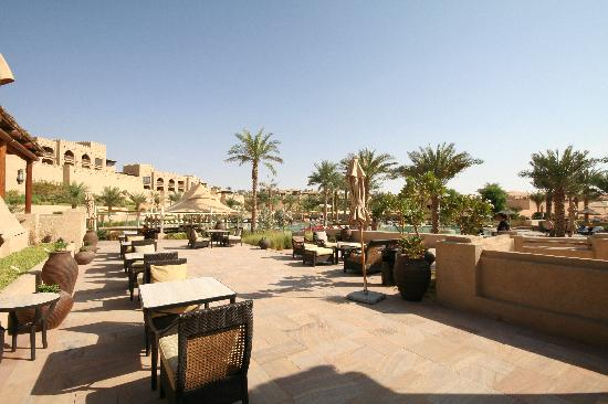 Qasr Al Sarab Desert Resort by Anantara : restaurant ghadeer