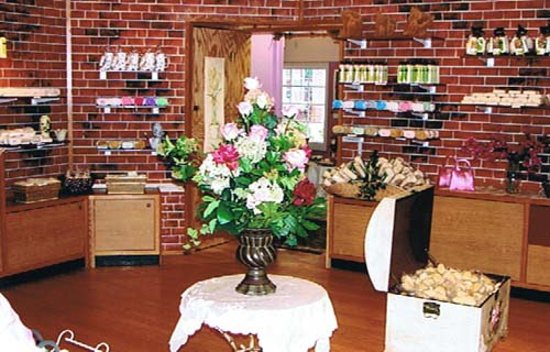 Lori's Soap Market: This is a picture of their store.  LOVE this place!