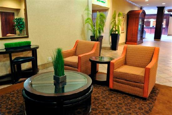 BEST WESTERN St Catharines Hotel & Conference Centre: Sitting Area