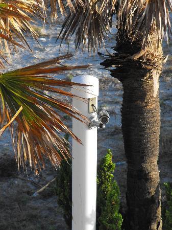 La Quinta Inn & Suites Oceanfront Daytona Beach : Spycam aimed at room (2)