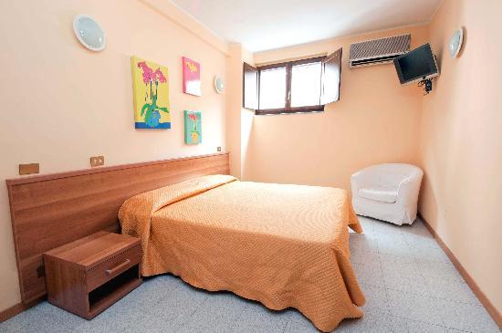 Hotel Viterbo Inn: Camera doppia/tripla