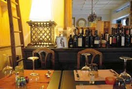 Osteria La Voliera: tavoli