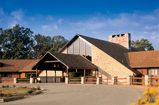 Burr Oak Lodge and Conference Center : Burr Oak entrance