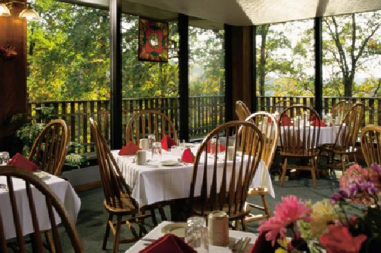 Burr Oak Lodge and Conference Center: Dining at Burr Oak Lodge