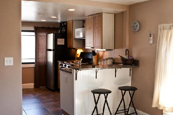 Aspenwood Manor: Loft's Kitchen