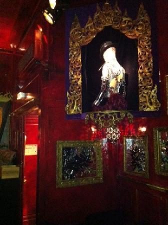 Le K Baroque: bar