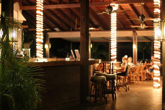 Le Phare Bleu Boutique Hotel & Marina: The Deck Restaurant