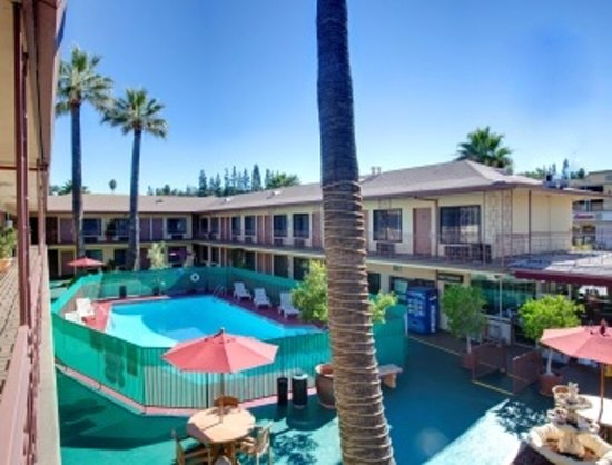Studio City Court Yard Hotel: Court Yard Hotel