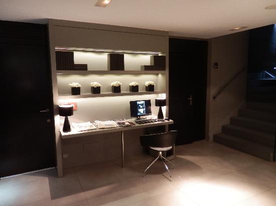 Hotel Actual: Internet corner near reception