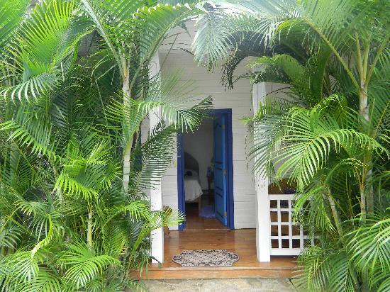 La Posada Azul : Entrance to room 6 from the pool area