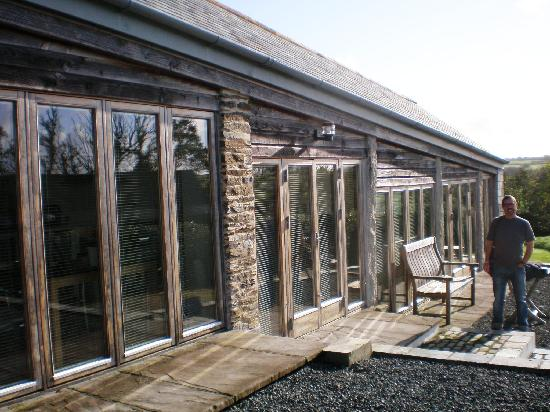 Moyles Farm: view from front - showing the wonderful glass 'wall'