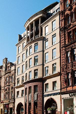 Carlton George Hotel: Hotel exterior