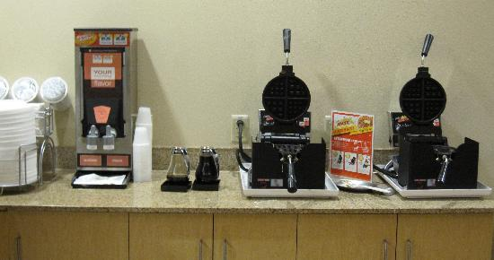 Comfort Suites Gettysburg: The waffle makers