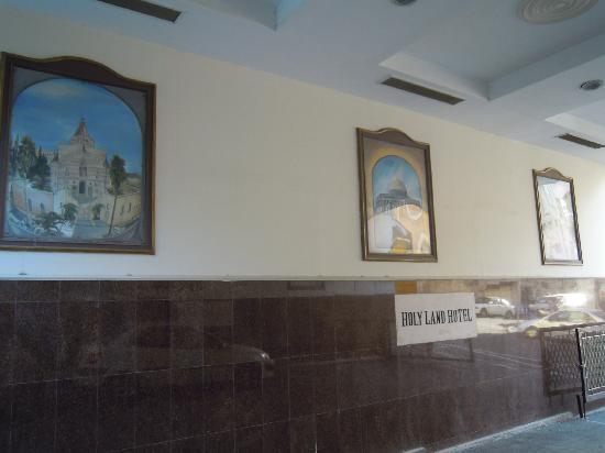 Holy Land Hotel: Ingresso esterno della struttura
