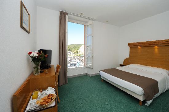 Best Western Hotel du Roy D'Aragon : présentation d'une chambre
