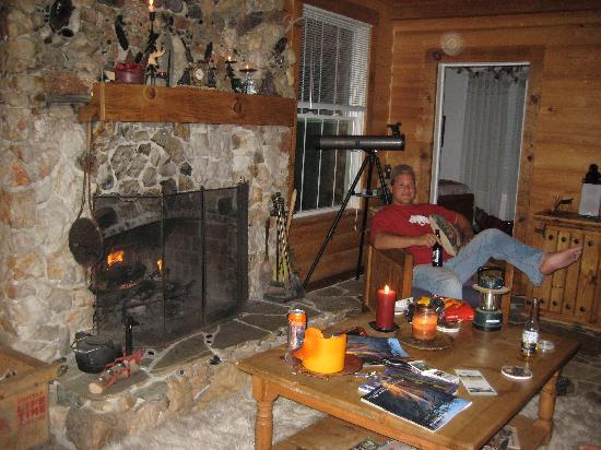 Lyn-Mar Pond Guest Ranch: relaxing