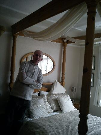 Mosscrag B&B: The 4-poste bed in Room 4