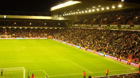 Anfield Stadium: Stadion