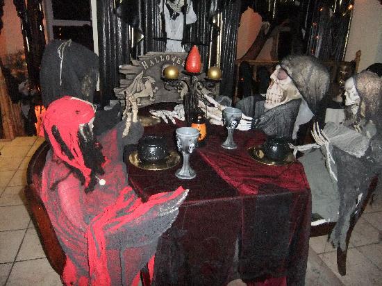 Ferndale: Quiet guests