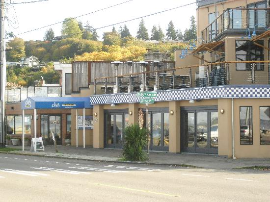 Outside Seating Summer Picture Of Duke S Chowder House On Alki