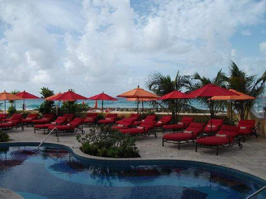 Ocean Two Resort & Residences : View from our room on the ground floor