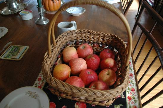 Applebutter Inn Bed and Breakfast: Vermont apples