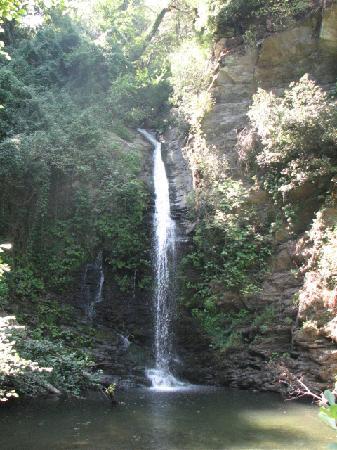 Perelli, Francia: petite cascade