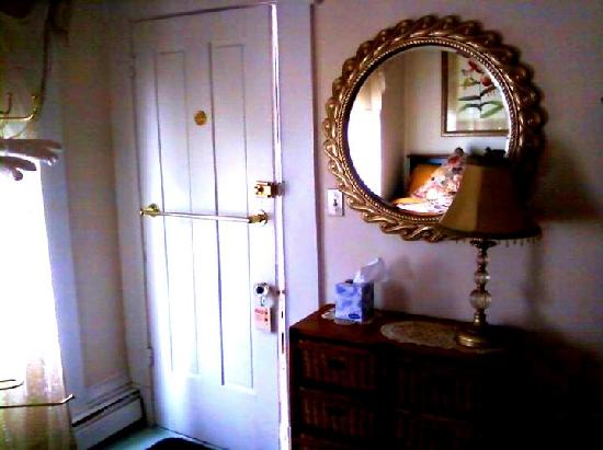 The Gaslamp Bed & Breakfast: Lovely Room