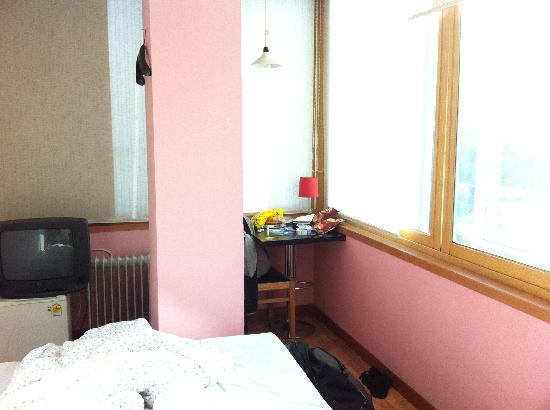 B&J Guest House : Double room