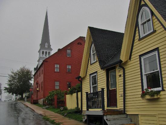 Lennox Inn 1791: The inn across the street from the church