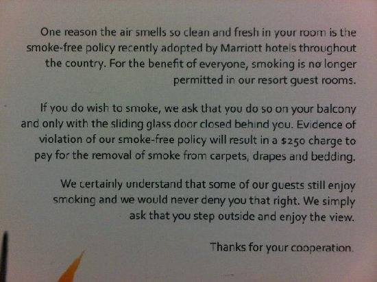JW Marriott Desert Springs Resort & Spa: Smoking sign