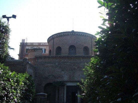 圣·康斯坦齐亚大教堂
