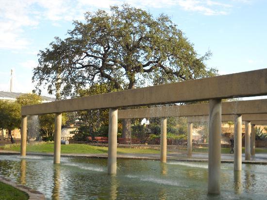 Hemisfair Park: Hemisfare Park