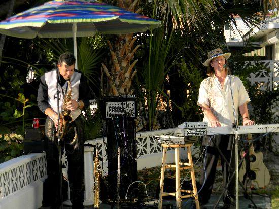 Suntan Terrace: Innerwave Band