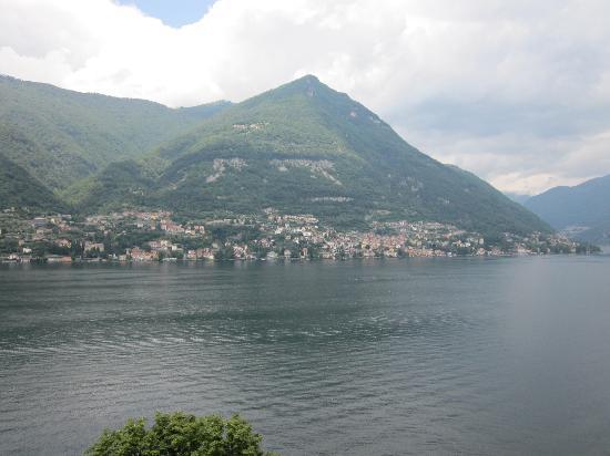 Hotel Ristorante G.L.A.V.J.C. : The view up Lake Como, towards Bellagio