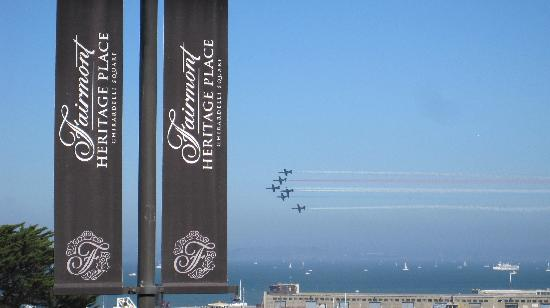 Fairmont Heritage Place, Ghirardelli Square: Blue Angels!!