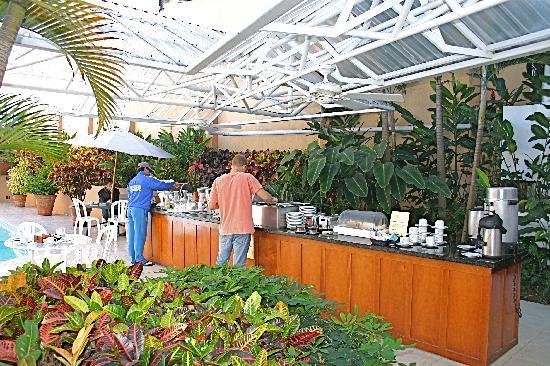 Apartotel Suites Cristina: Cristina Buffet Breakfast