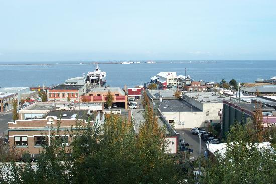 Port Angeles Inn: View from motel